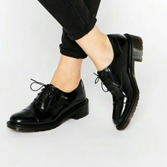 Doc marten henrietta oxford patent leather shoes